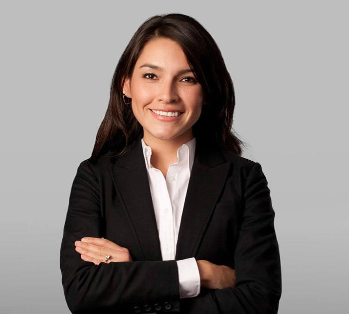 Dr. Lorena Riveros